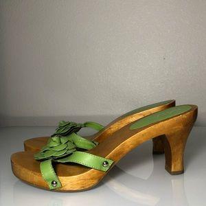 Vintage Mia wood heels slip ons women's 8 green